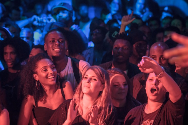 crowd15_0